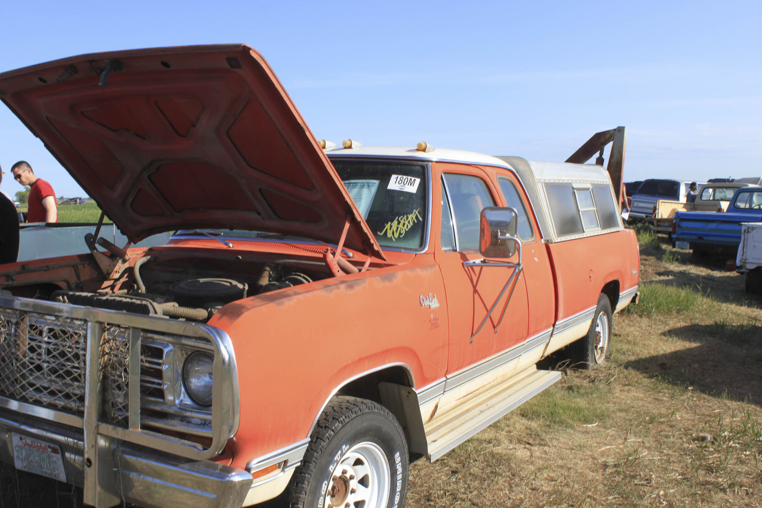 1975 Dodge D200 Power Wagon Club Cab Pickup Front