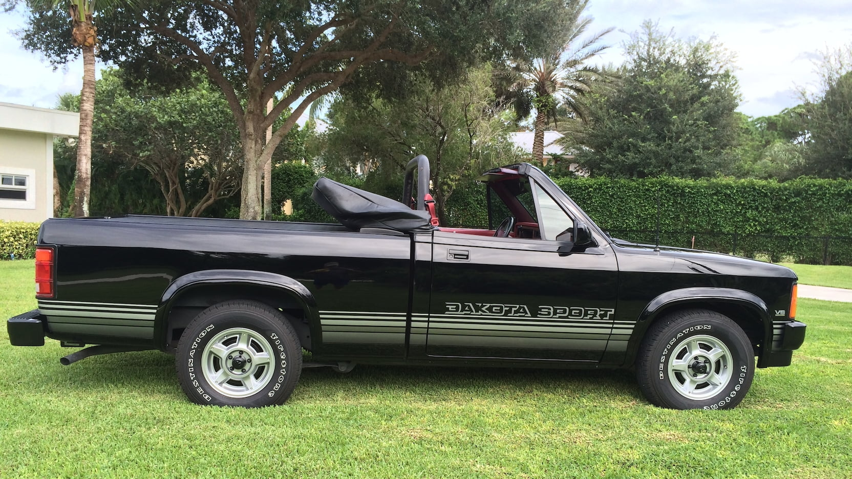 black 1989 Dodge Dakota Sport
