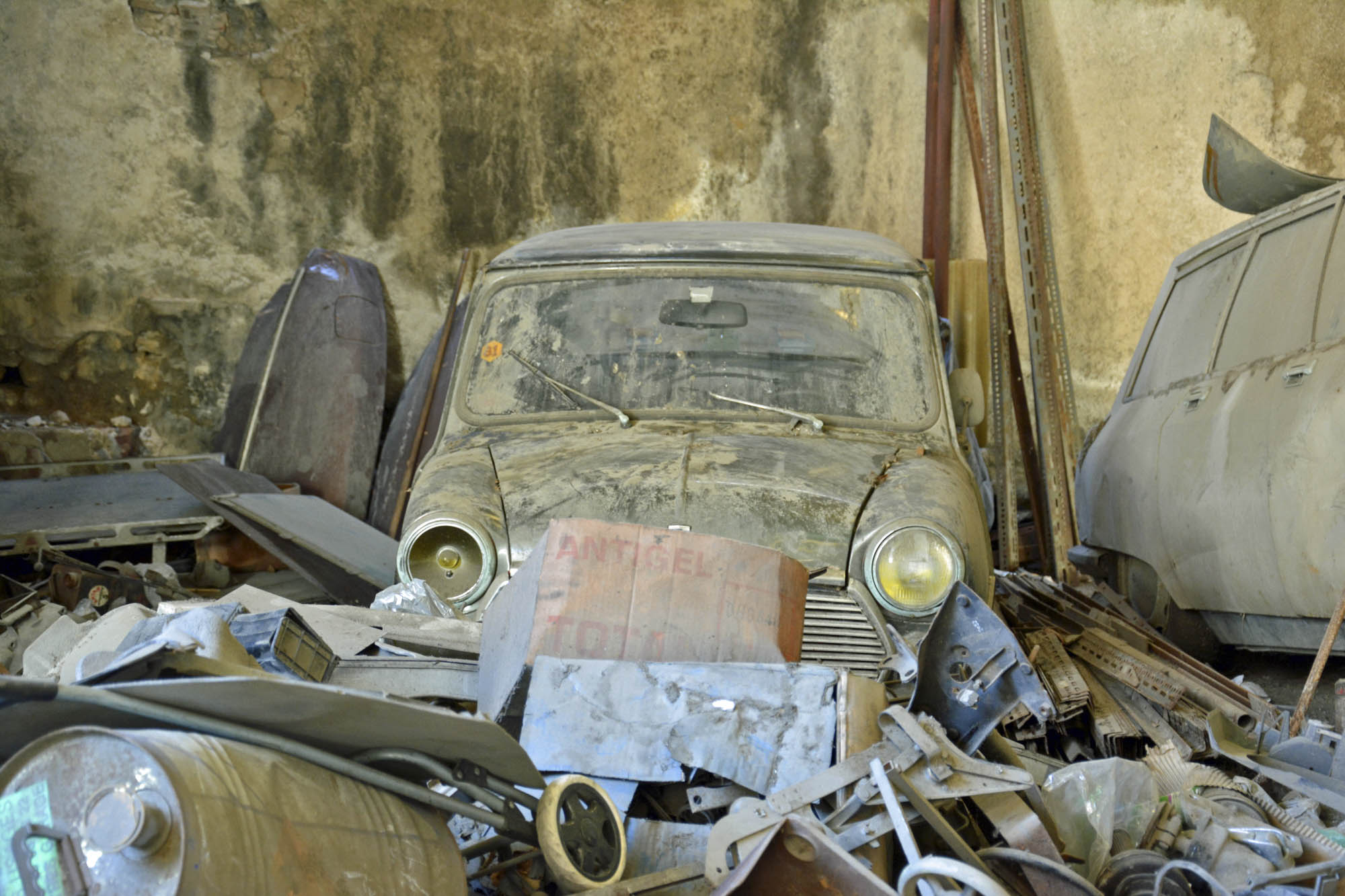 old Citroen parts store in Marseilles
