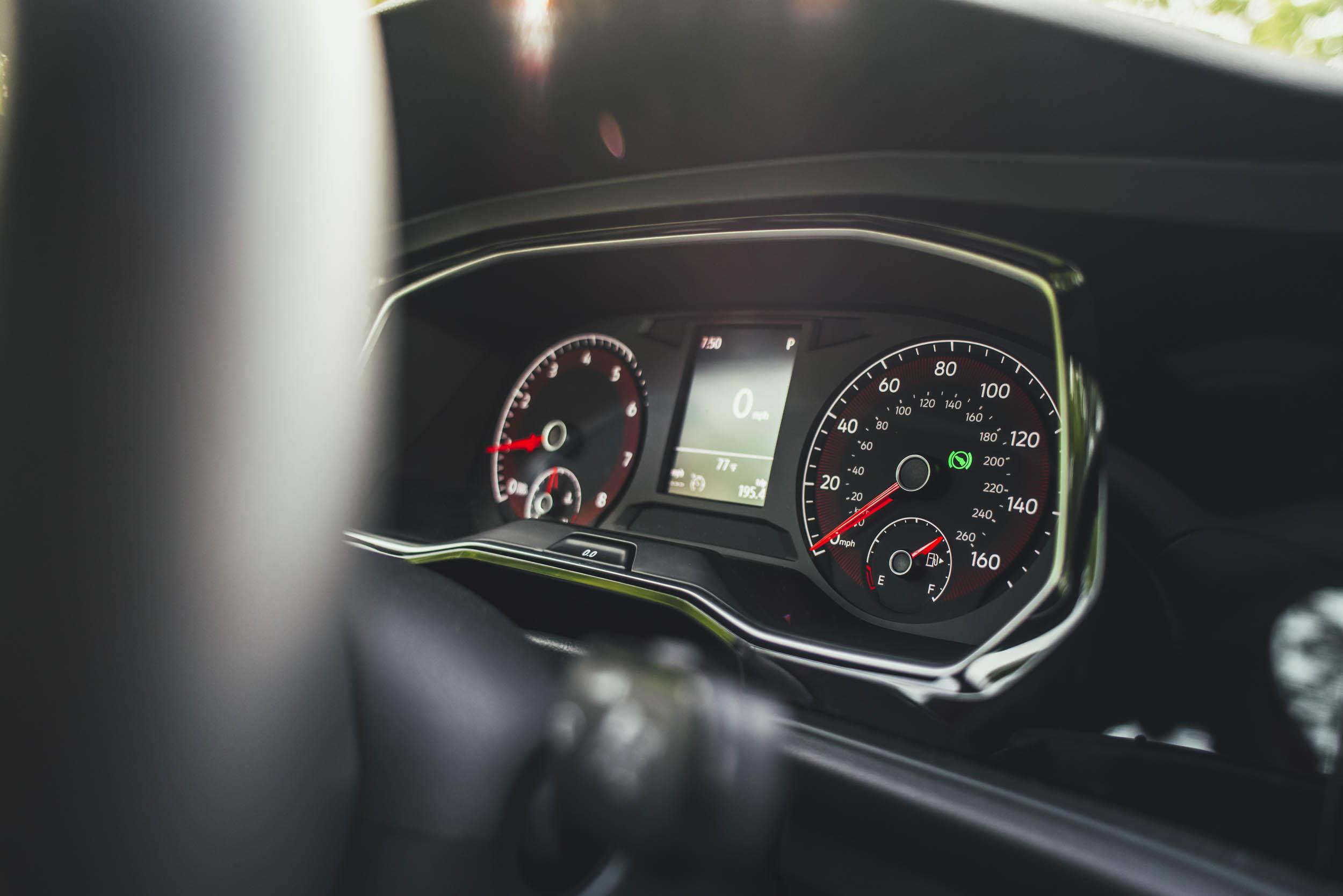 volkswagen jetta r-line dashboard gauges