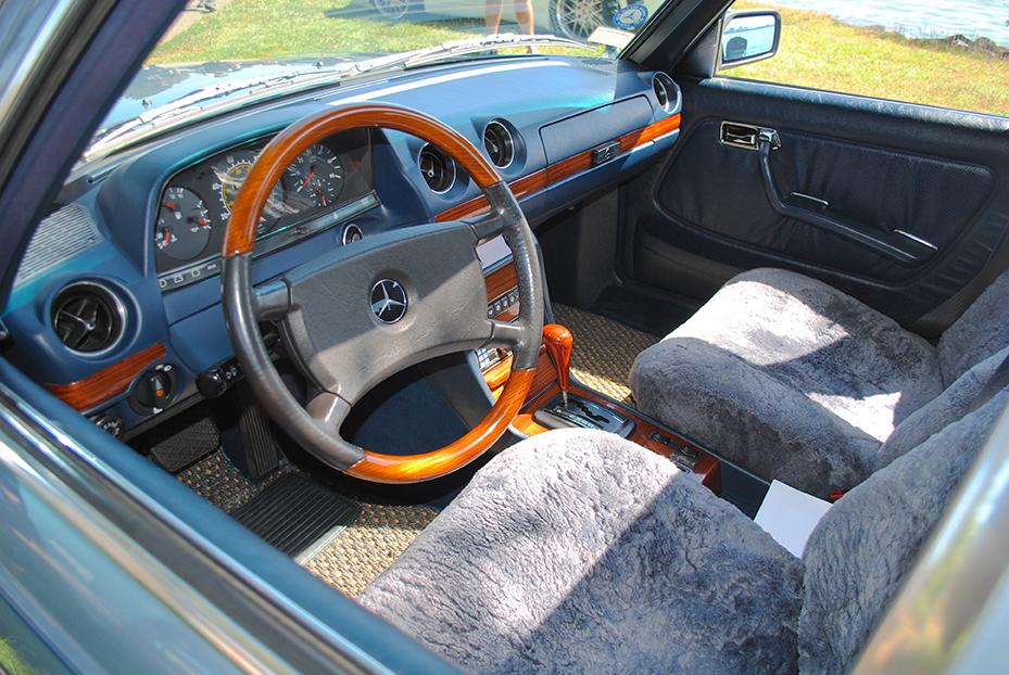 1985 Mercedes 300D interior