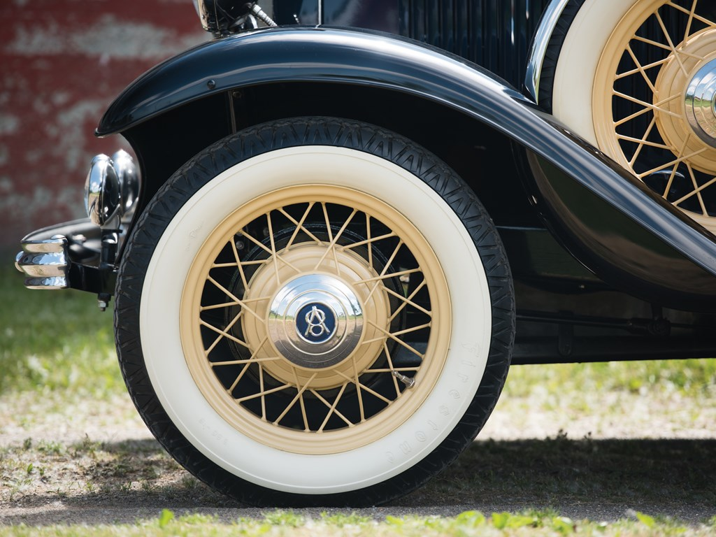 1932 Ford V-8 DeLuxe Roadster Wheels