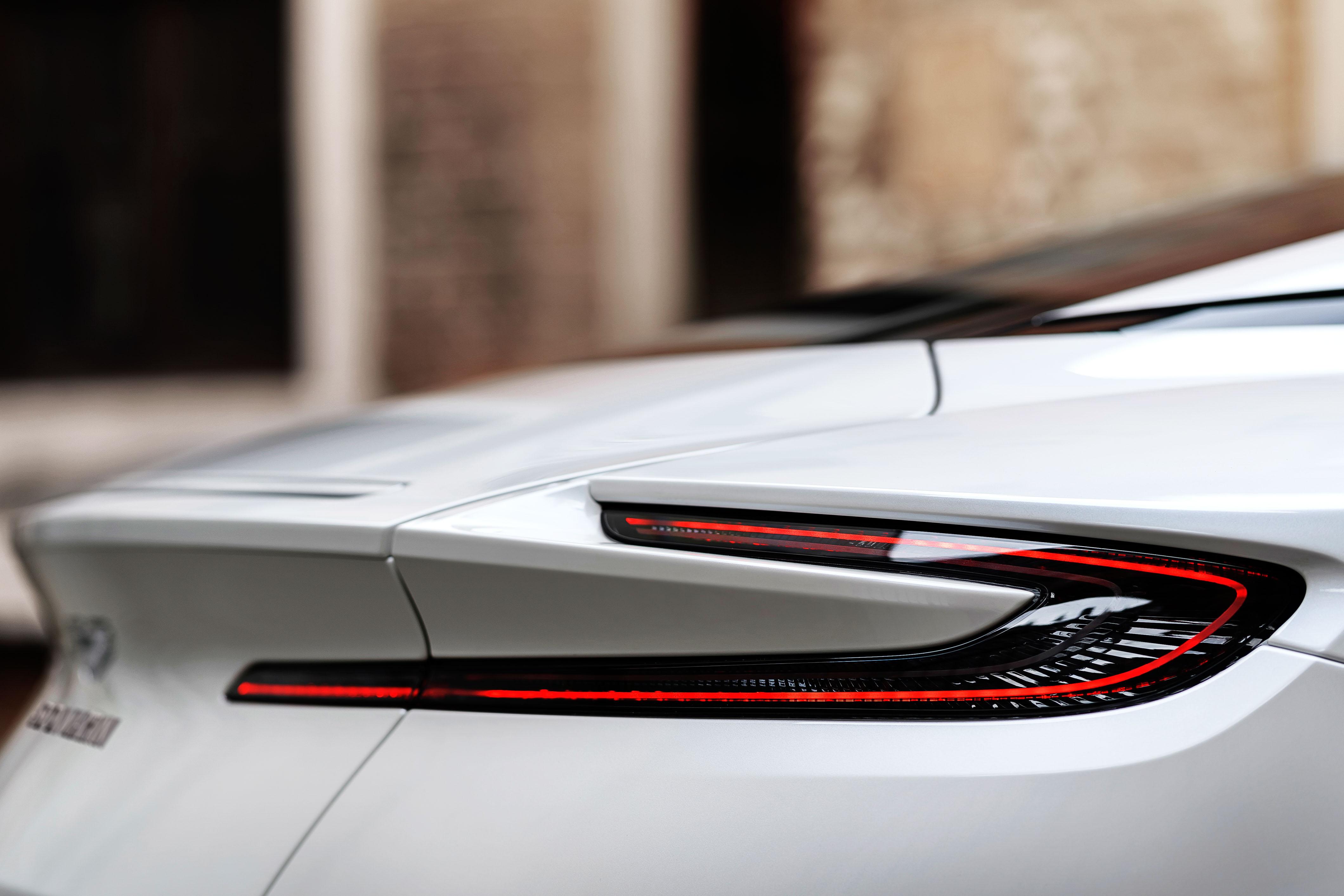 2018 Aston Martin DB11 V-8 tailligth detail