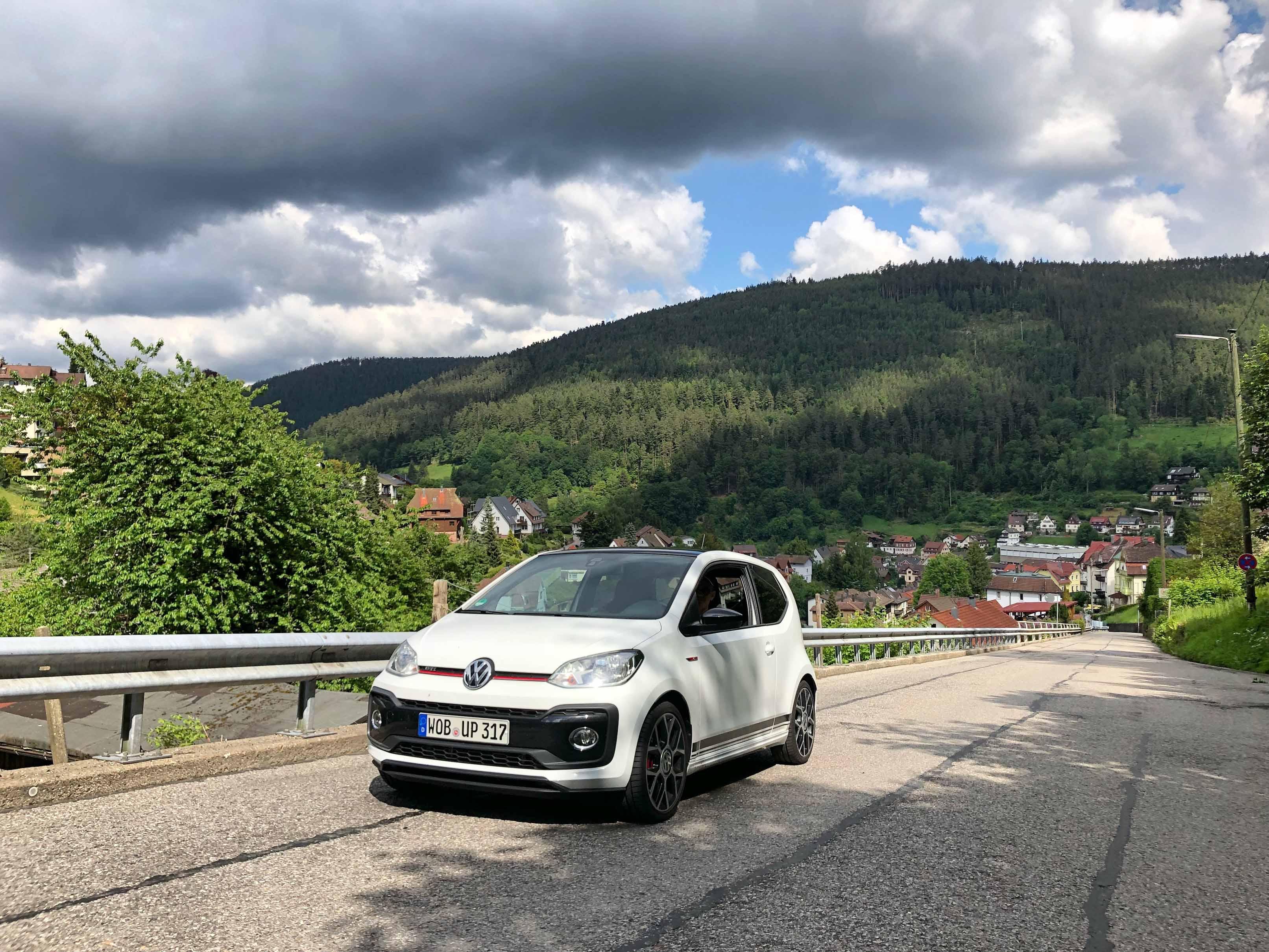 2018 Volkswagen Up! GTI front 3/4