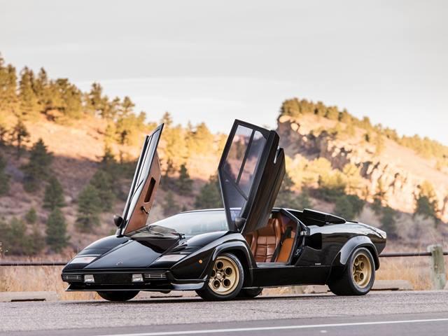 Jaw Dropping Garage Find Granny Owned A Lamborghini And A Ferrari
