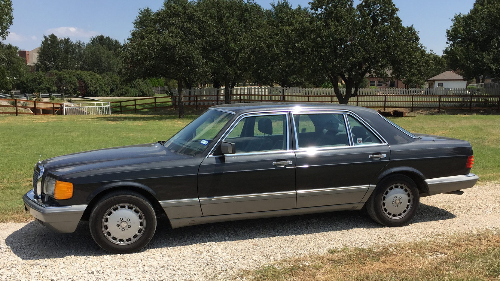1988 Mercedes 560SEL drivers side profile