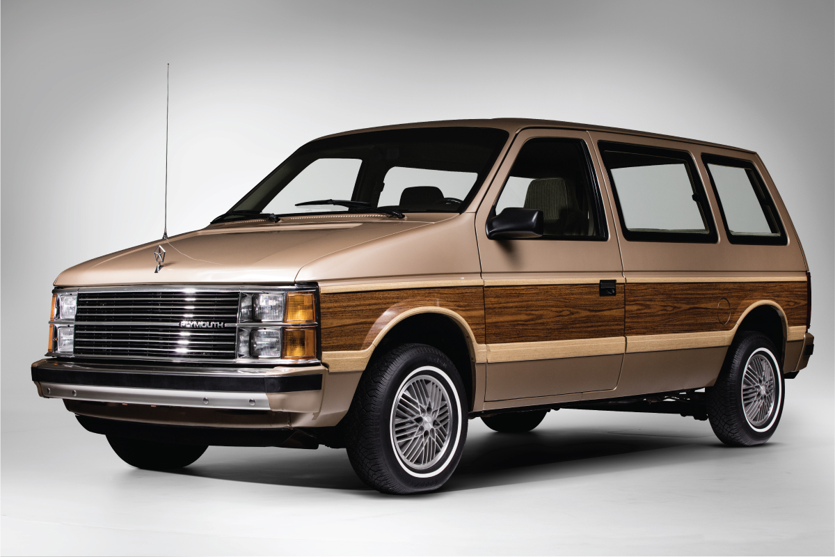 1984 Plymouth Voyager front 3/4