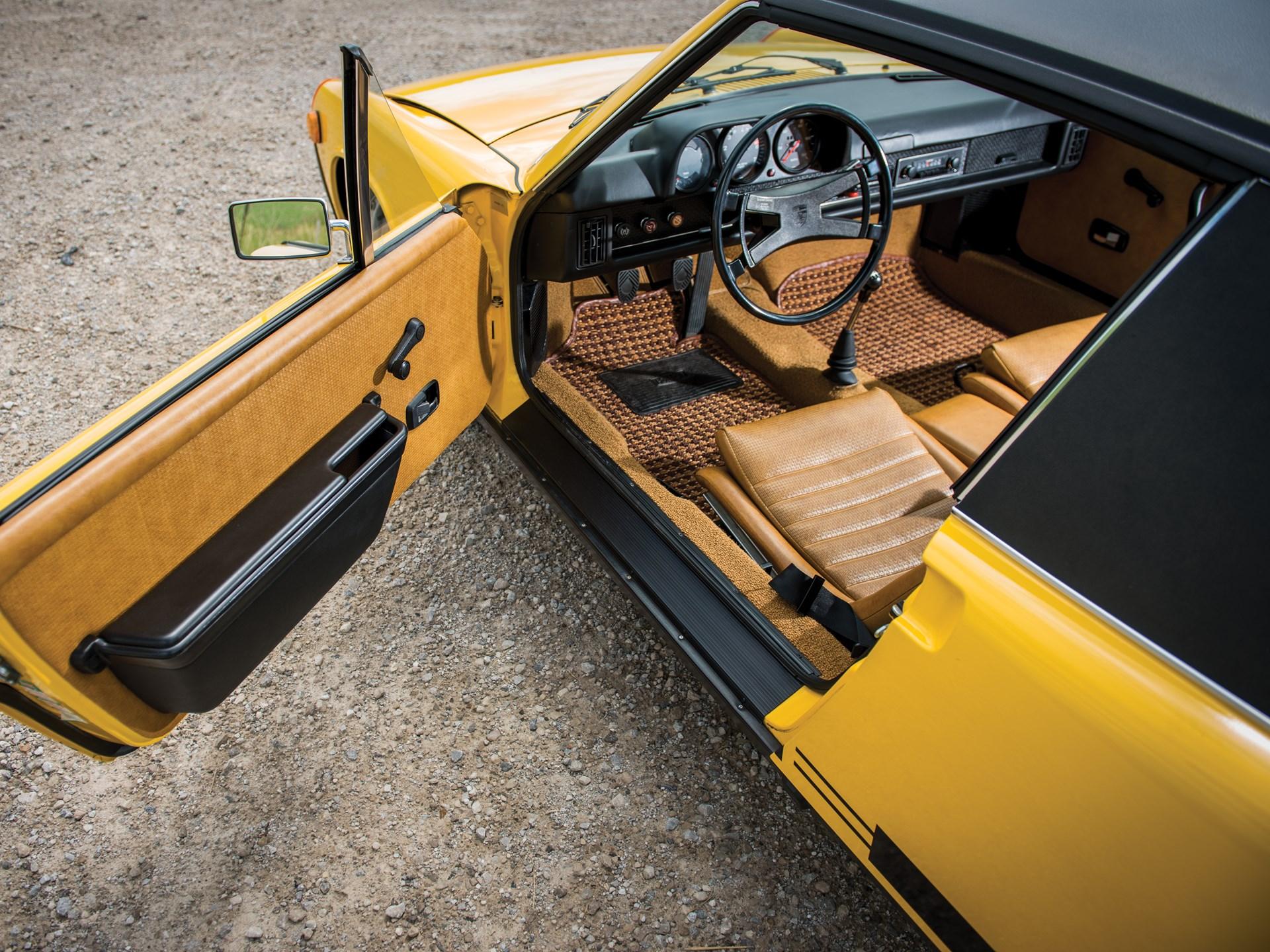 1975 Porsche 914 open driver door