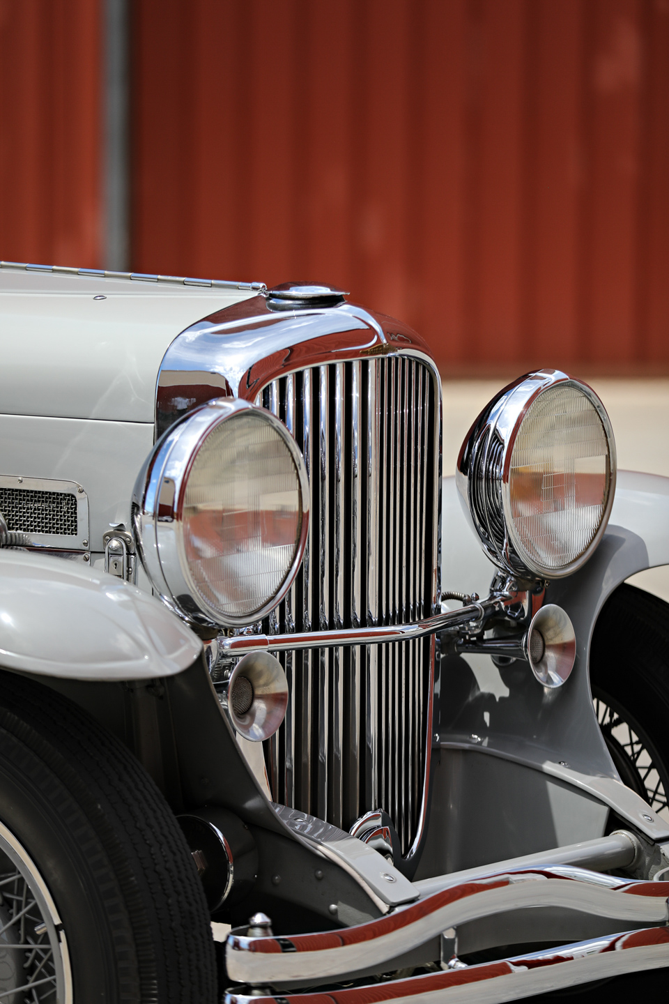 1935 Duesenberg SSJ grill and lights