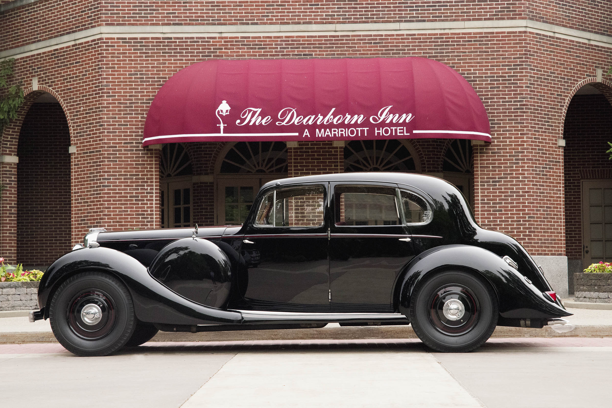 The Lagonda was photographed at the Dearborn Inn in Michigan. The hotel is an integral part of Ford Motor Company history, so it may seem an odd choice for an English car. But Dearborn has long been home to the Dagostino family and their Lagonda.