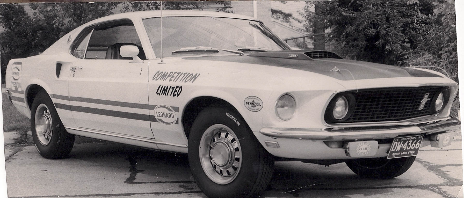 Ralph Beckman drove a Mach 1 for the Dearborn-based Competition Limited team. The Leonard sticker indicated sponsorship from a regional oil refiner and gas station chain.