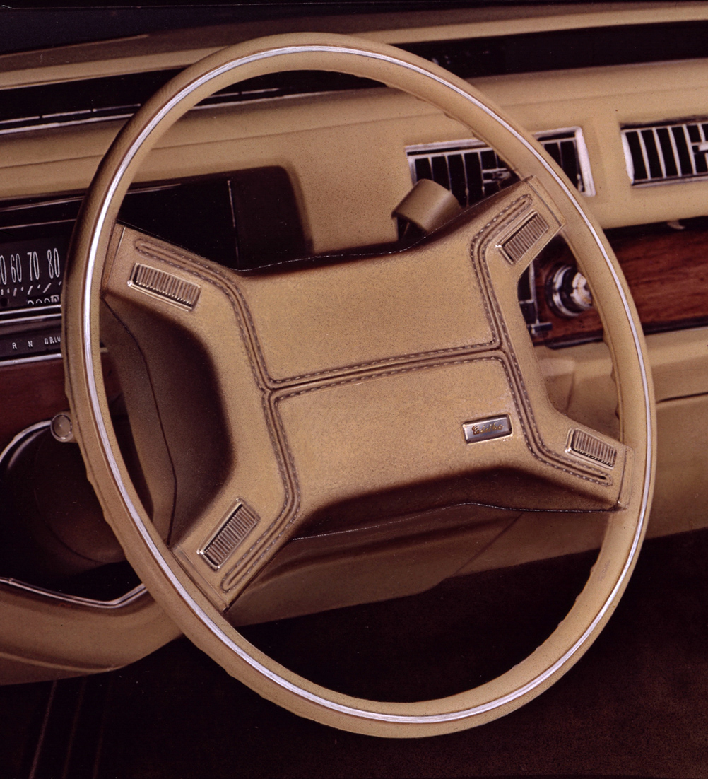 1975 Cadillac Air Cushion Restraint System ACRS steering wheel.