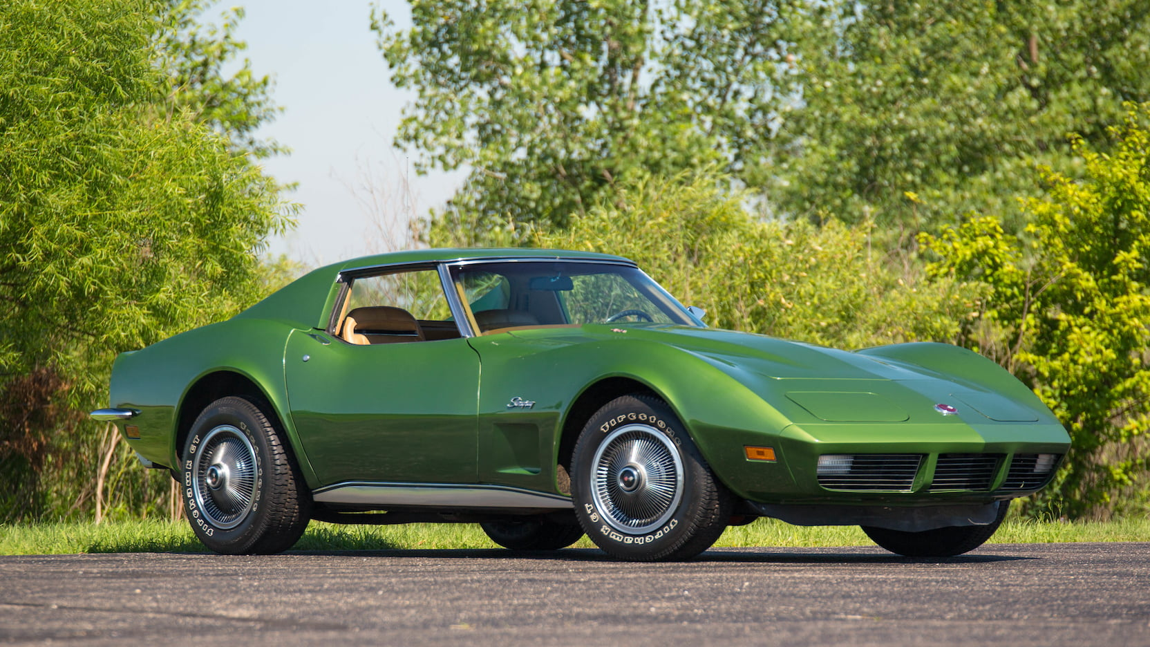1973 Corvette Coupe green front 3/4