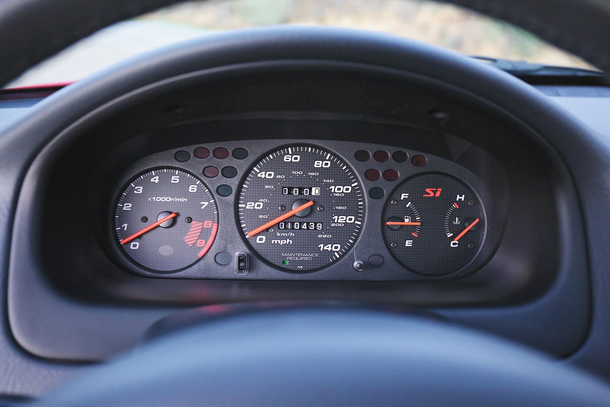 2000 Honda Civic Si gauge cluster