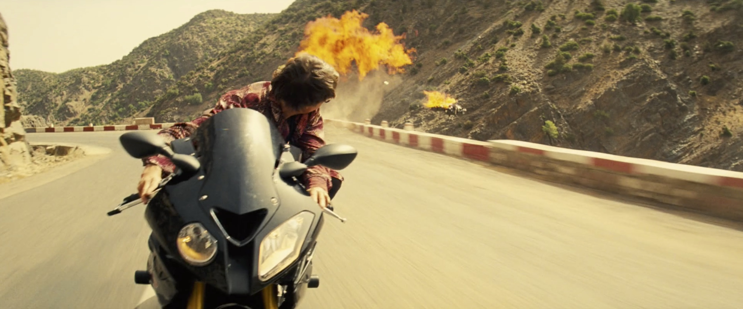 Mission Impossible: Rogue Nation tom cruise motorcycle explosion