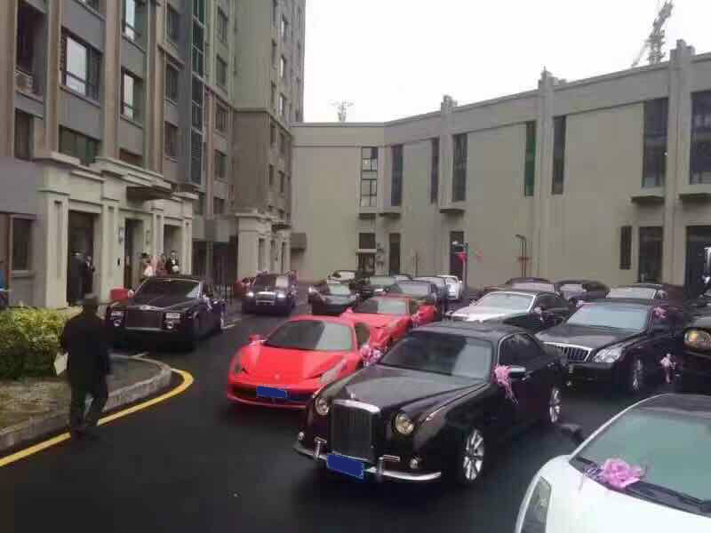Ferraris and Rolls-Royces at a Chinese wedding