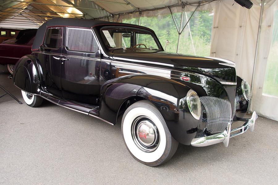 1939 Lincoln-Zephyr Twelve Convertible Sedan