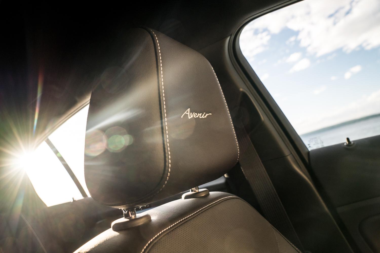 2019 Buick Regal Avenir headrest