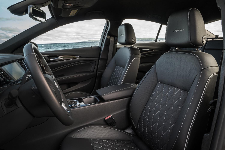2019 Buick Regal Avenir interior