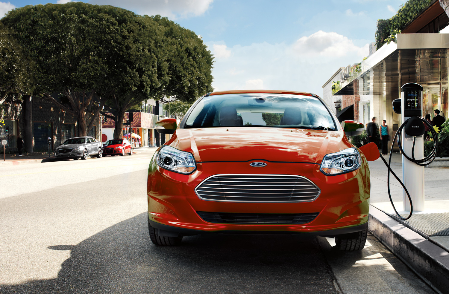 2018 Ford Focus Electric charging on road