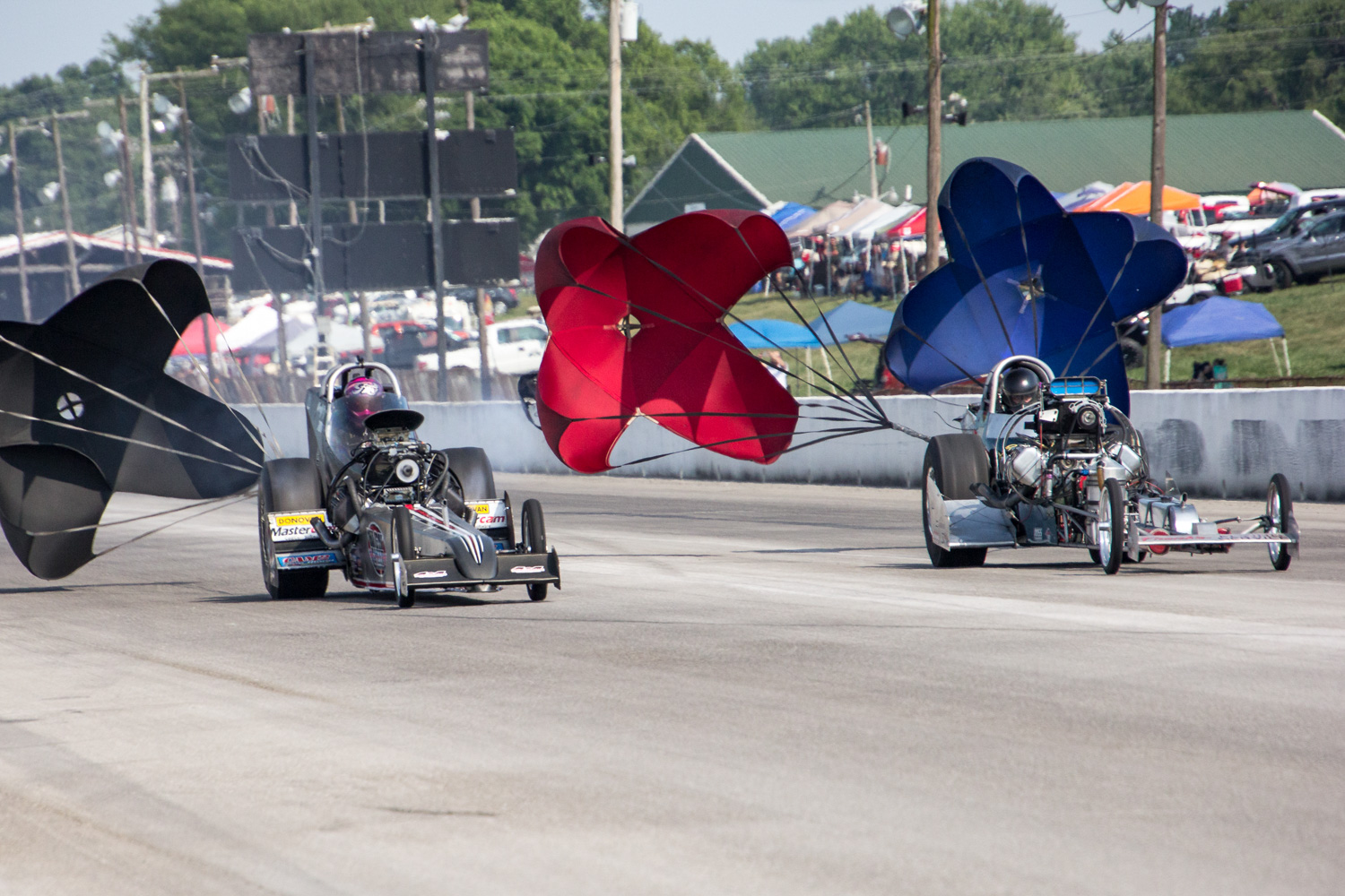 fry vs young top fuel dragster race parachutes