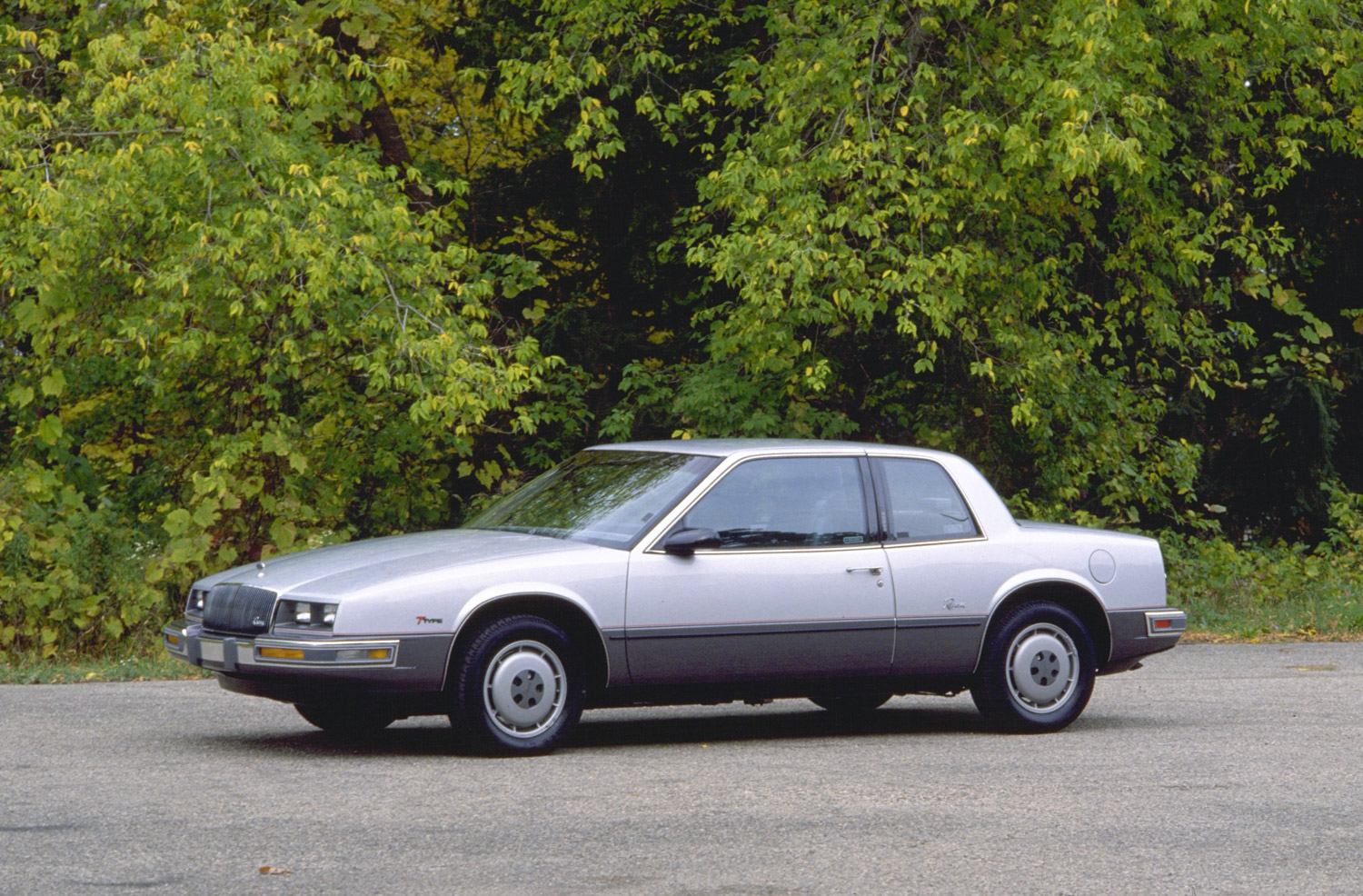 1986 Buick Riviera front side 3/4