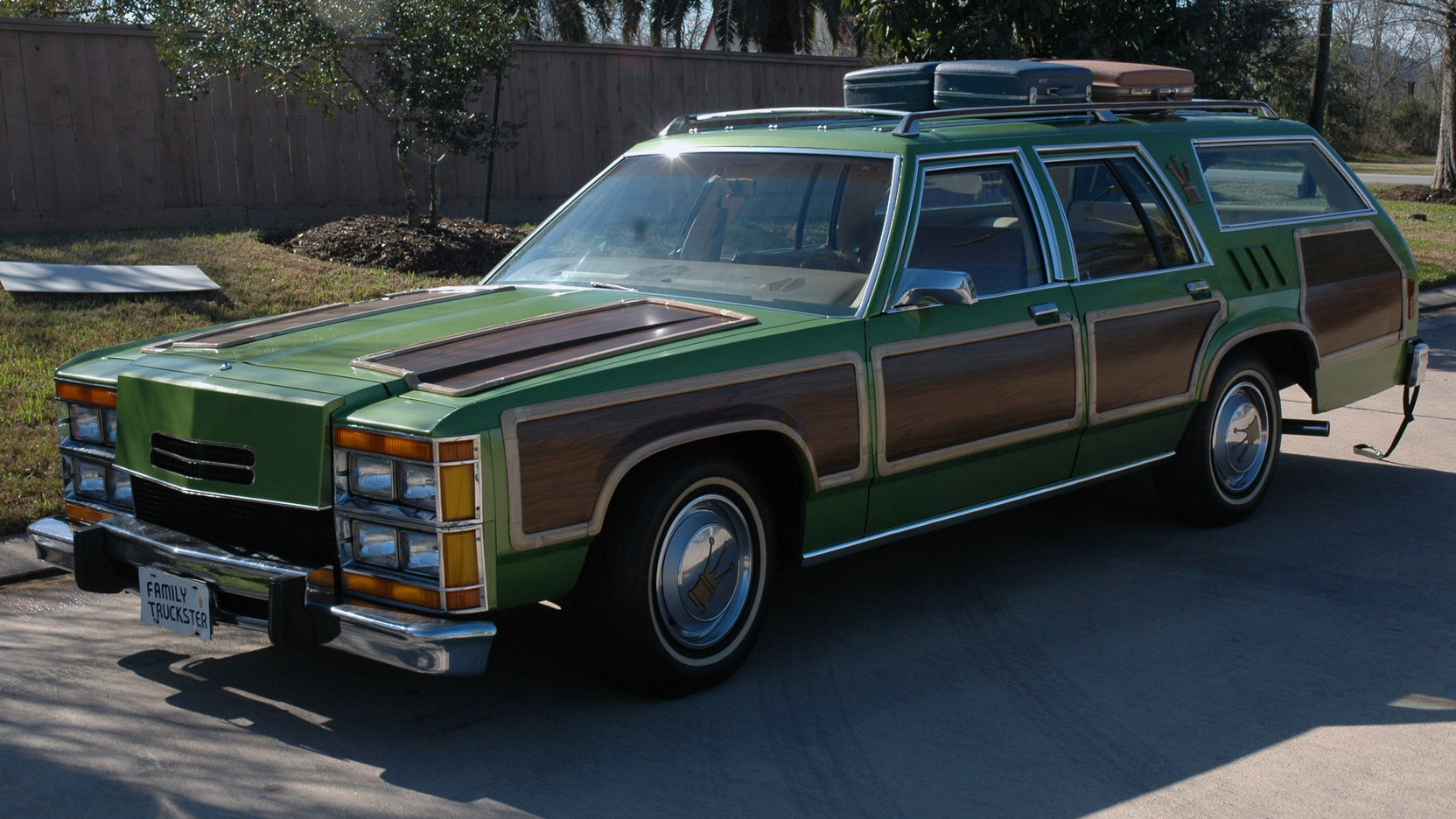 National Lampoon's Family Vacation Wagon Queen Family Truckster front 3/4