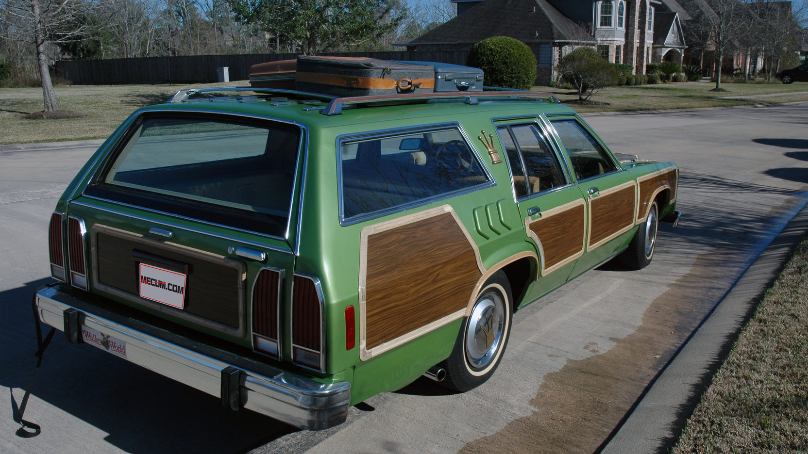 National Lampoon's Family Vacation Wagon Queen Family Truckster rear 3/4