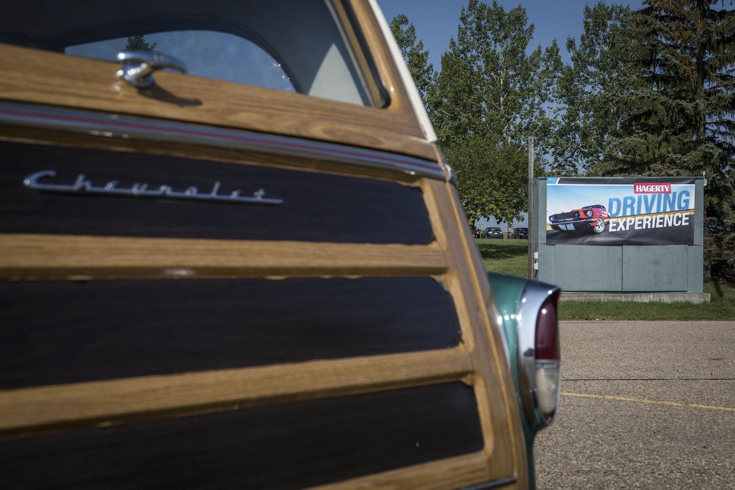 wooden tailgate of Chevy Nomad