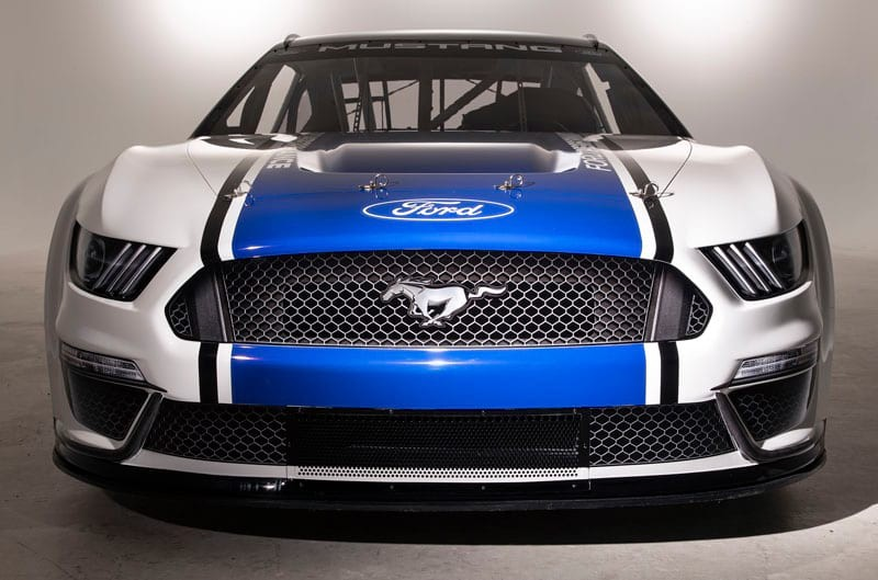 Ford unveils its 800-hp Mustang… for NASCAR thumbnail