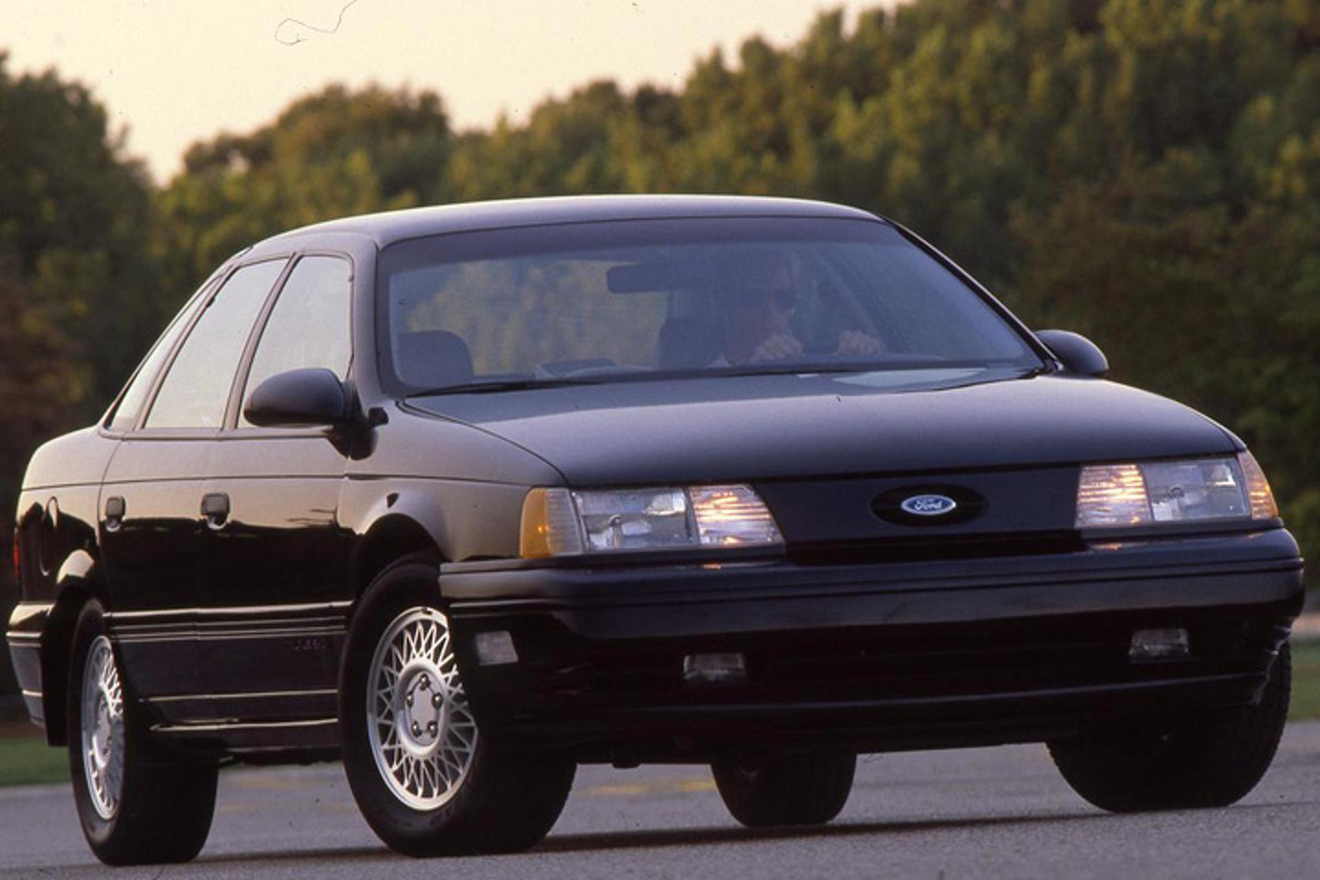 Ford Taurus SHO (1989-1991) front 3/4 marketing photo