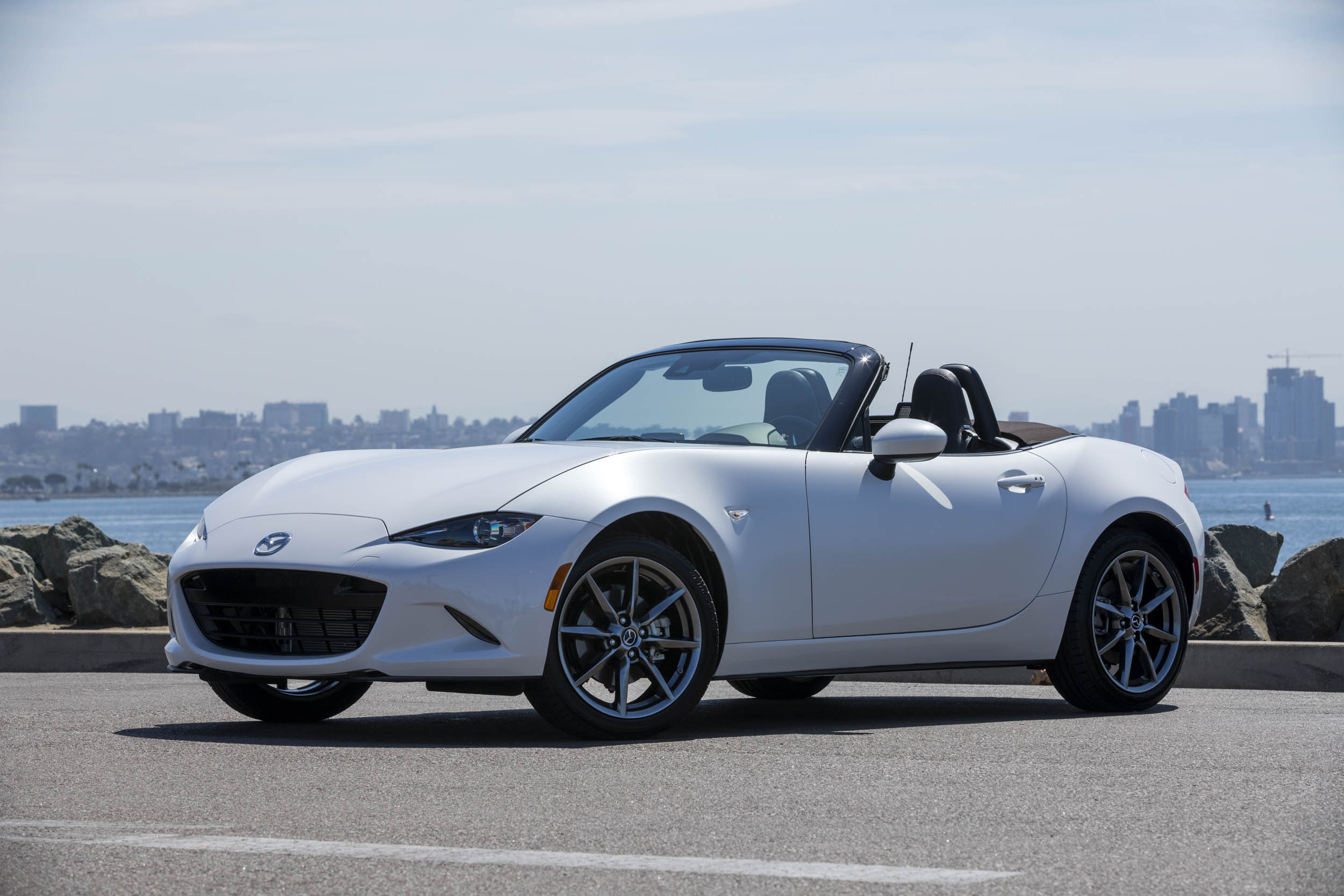 2019 Mazda MX-5 Miata Roadster top down