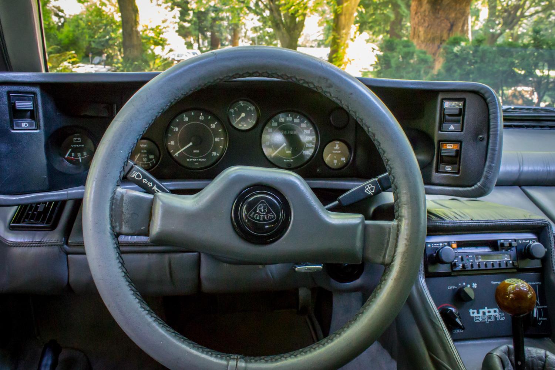 Lotus esprit steering wheel