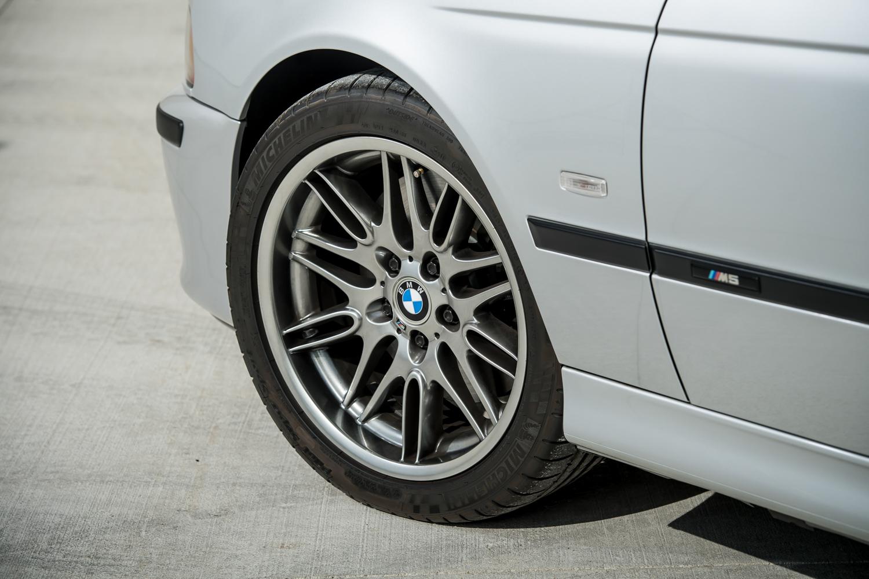 2002 m5 wheel far