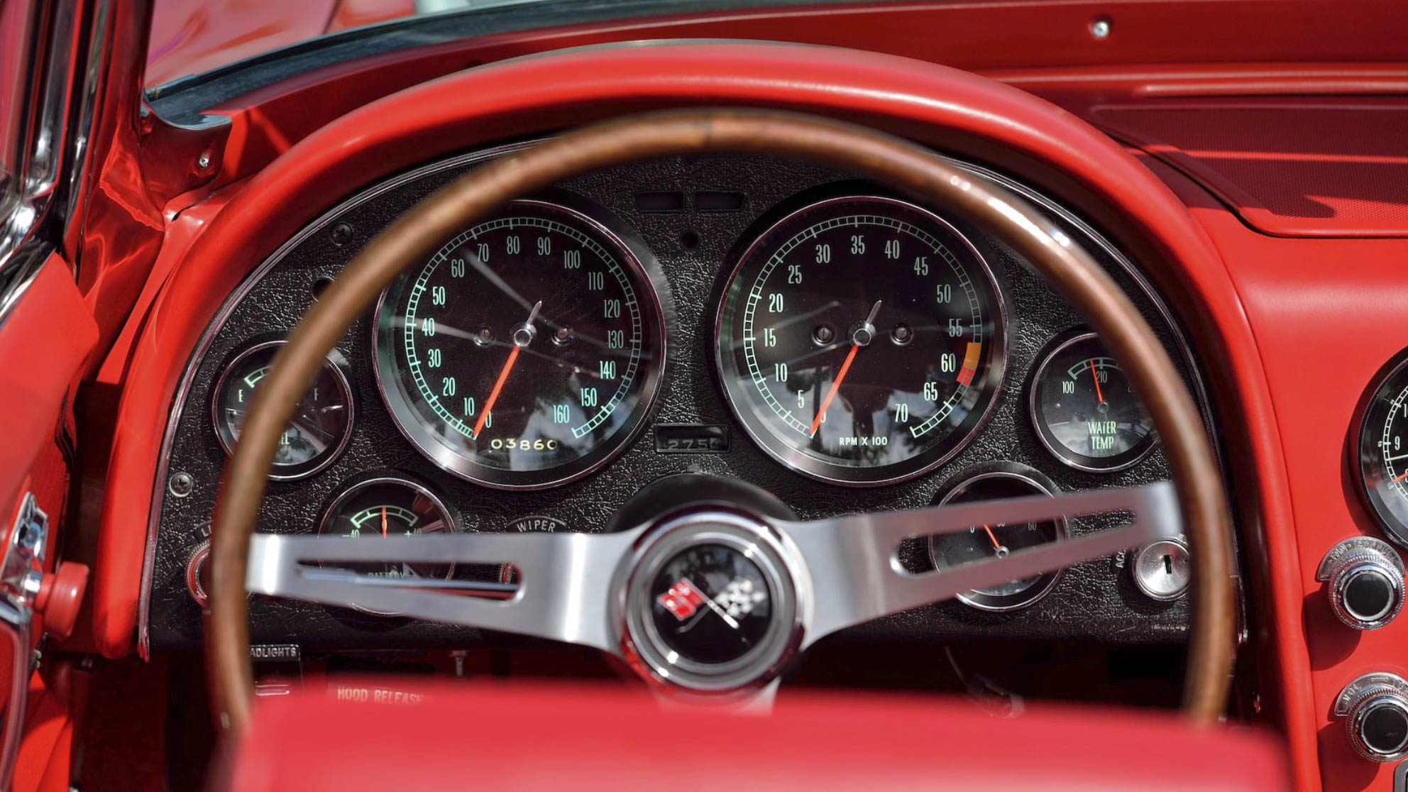 The 5 best dashboards of the muscle-car era thumbnail