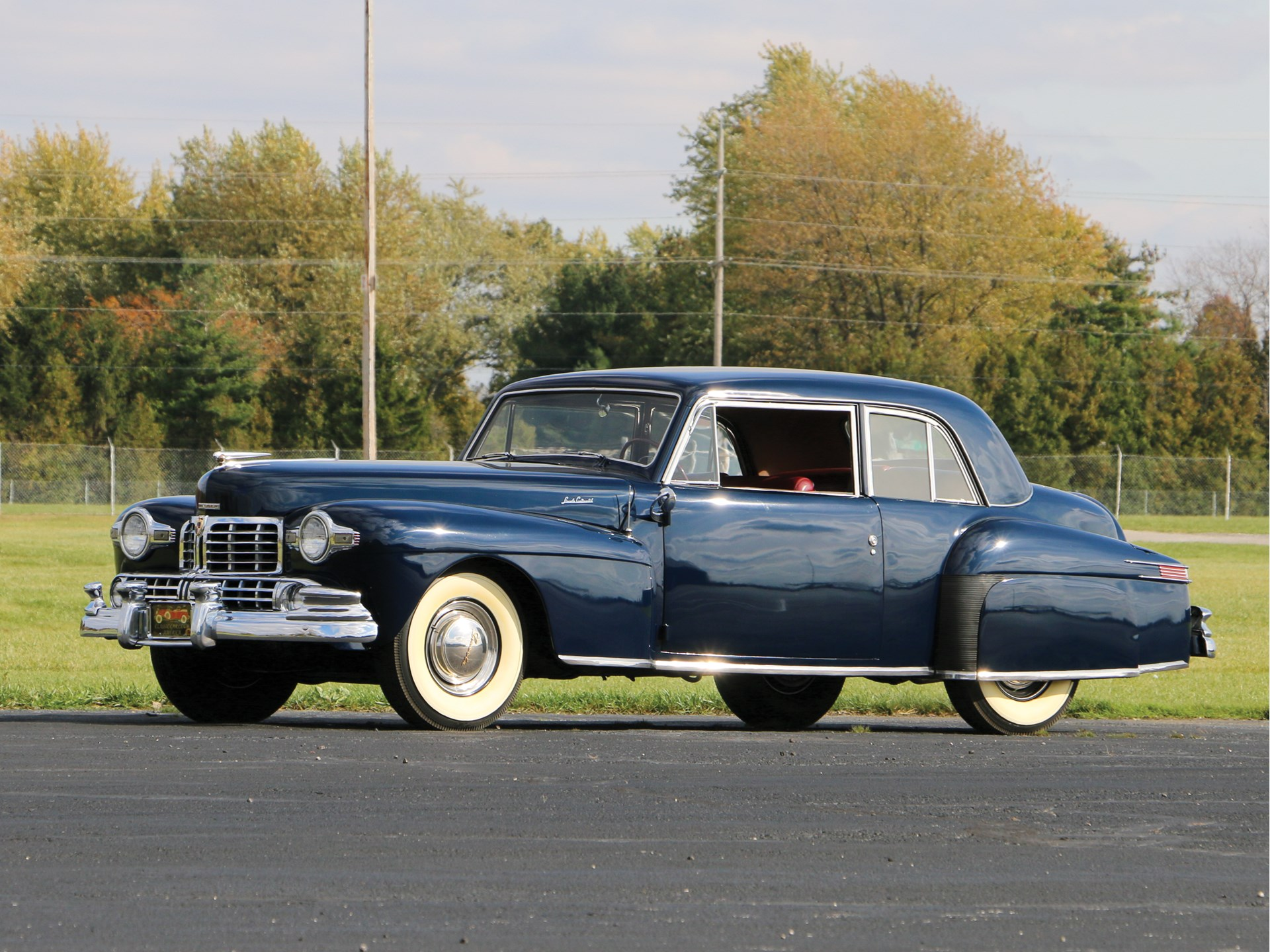 Example of a 1948 Lincoln Continental similar to Babe Ruth's front 3/4