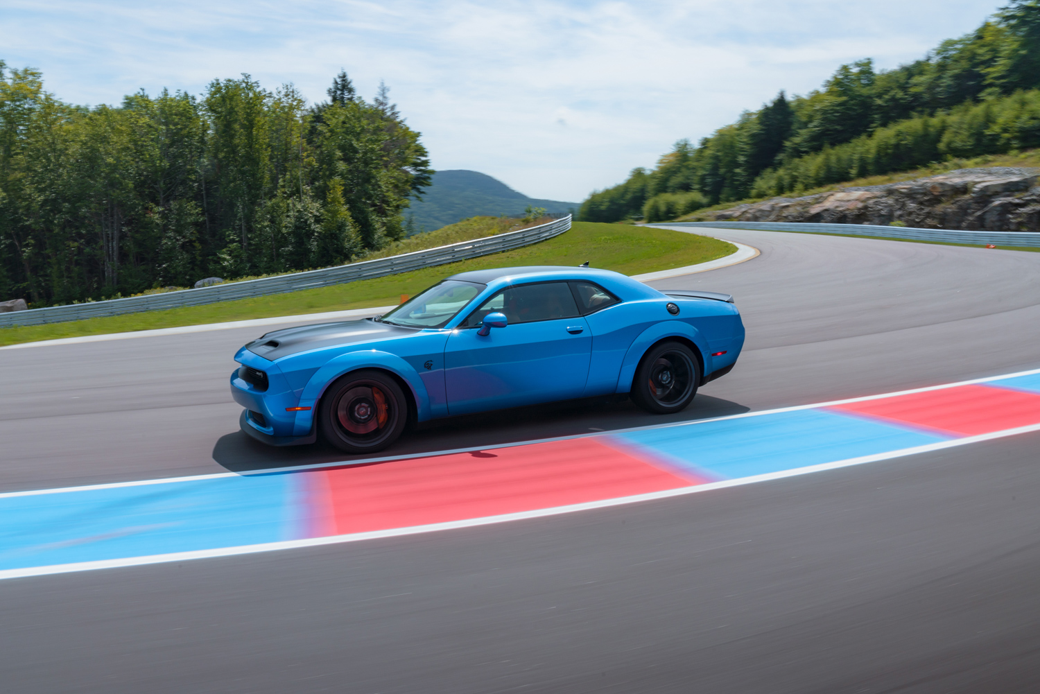 2019 Challenger SRT Hellcat Redeye Widebody on track curb