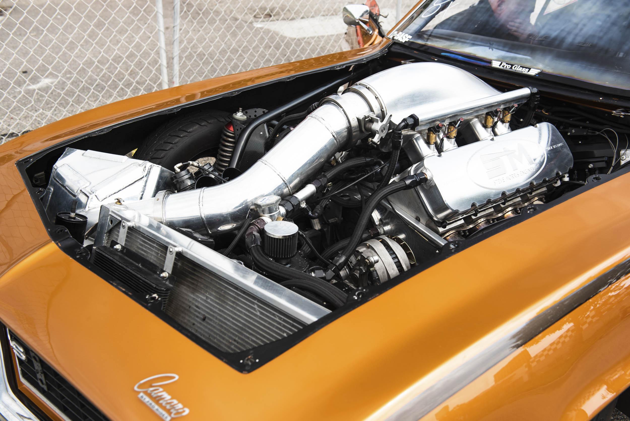 drag race camaro engine