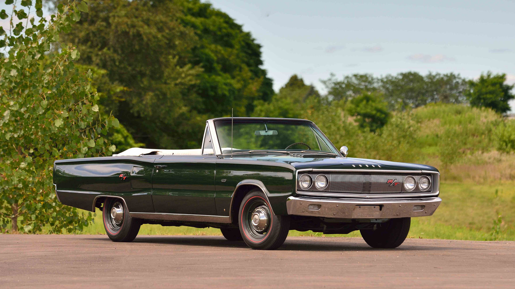 1967 Dodge Coronet R/T Convertible front 3/4 green