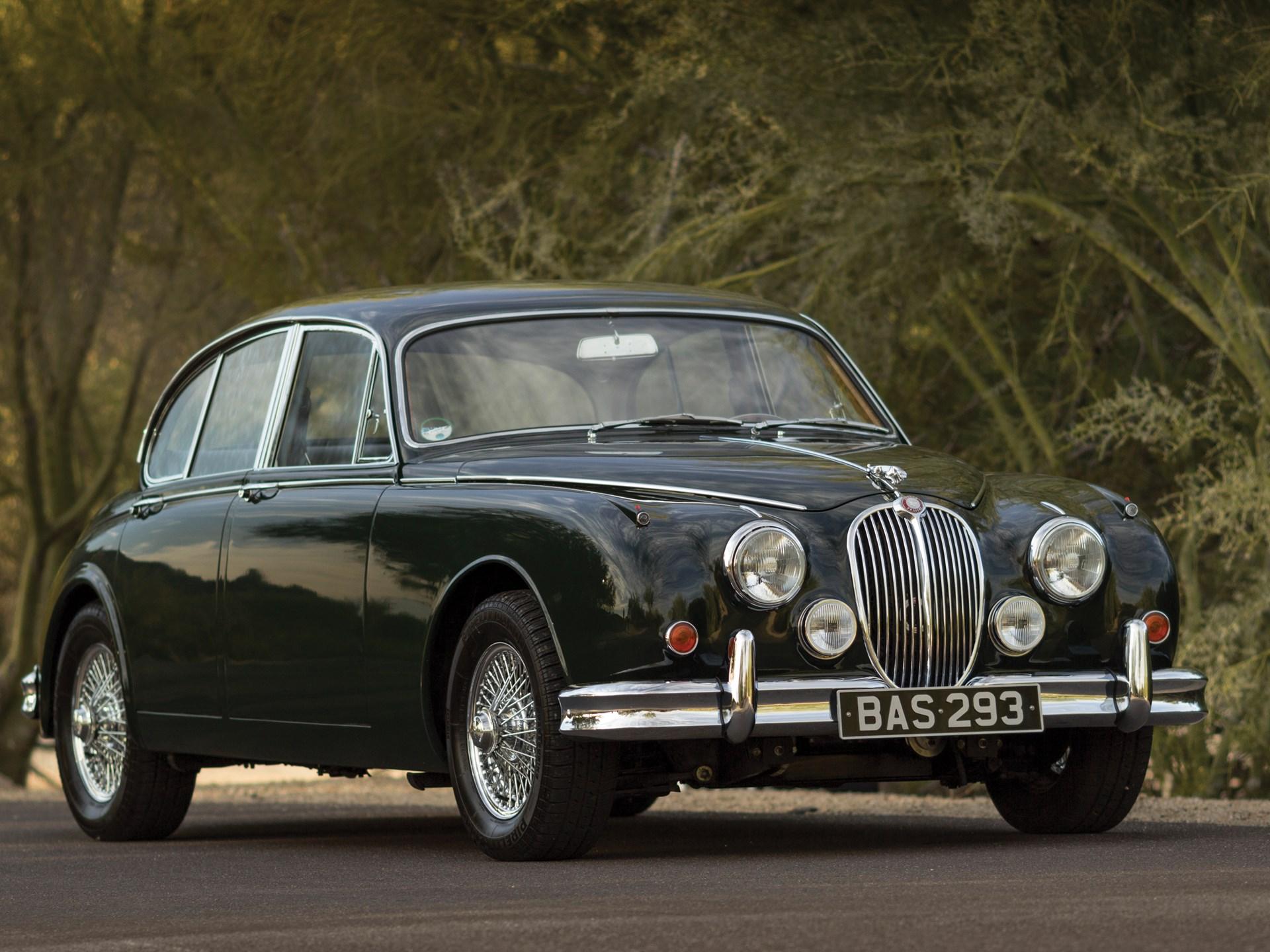 1960  Jaguar Mark II Front 3/4