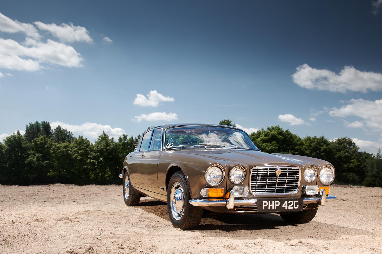 1968 Jaguar XJ6 gold front 3/4