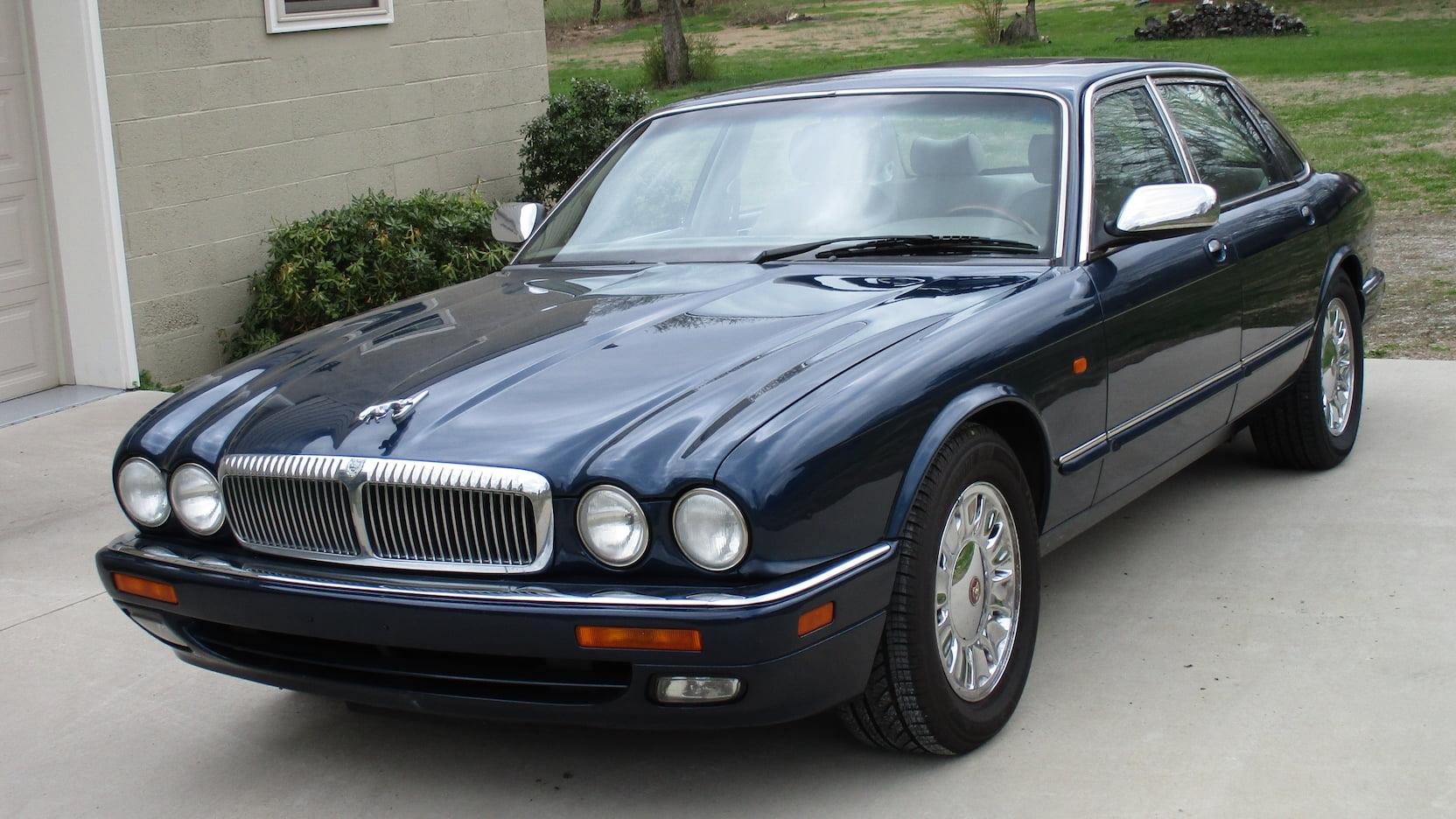 1995 Jaguar XJ6 blue 3/4 front