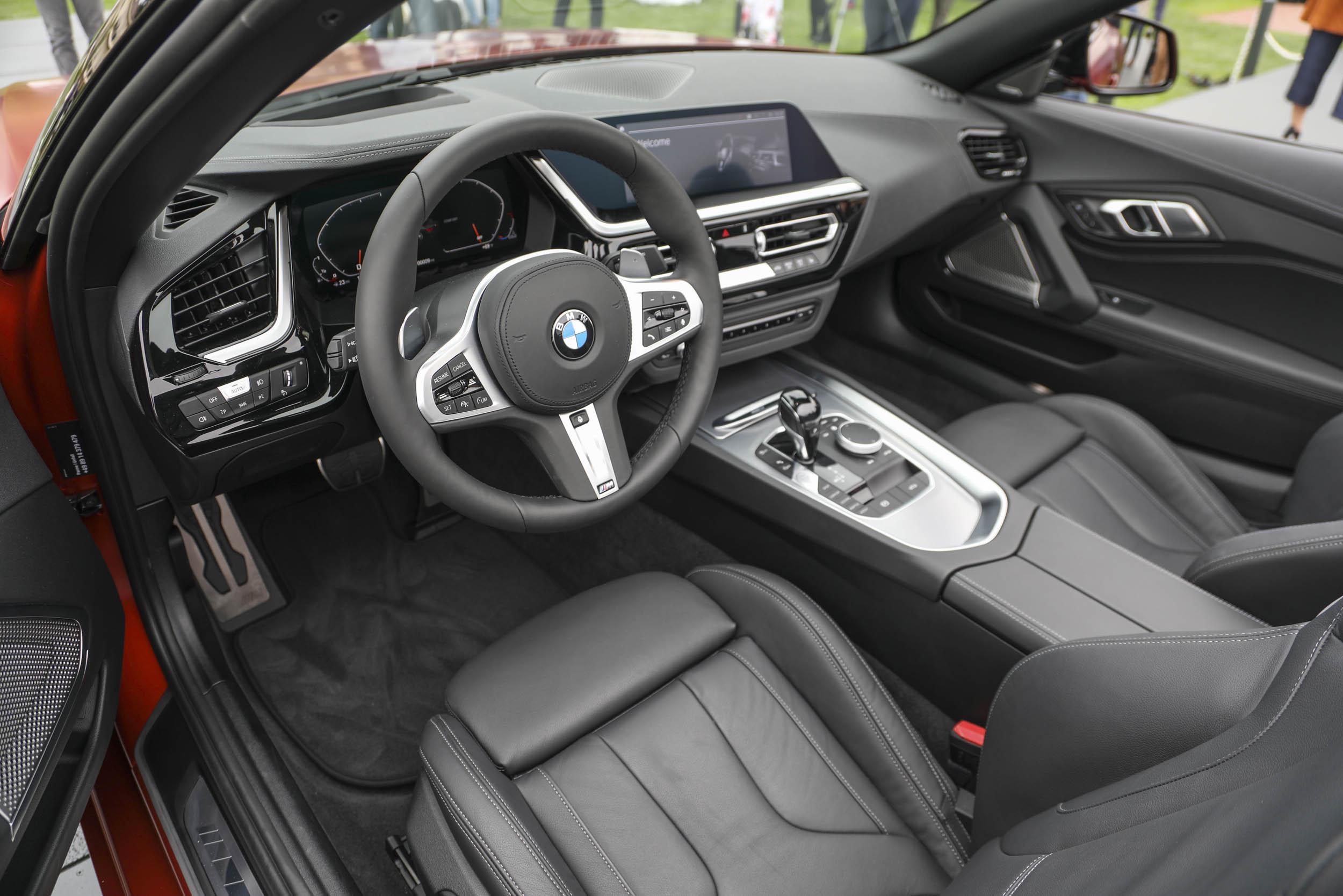 BMW Z4 M40i roadster debut interior