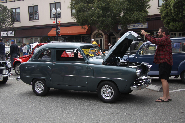 little car show morris minor hood up
