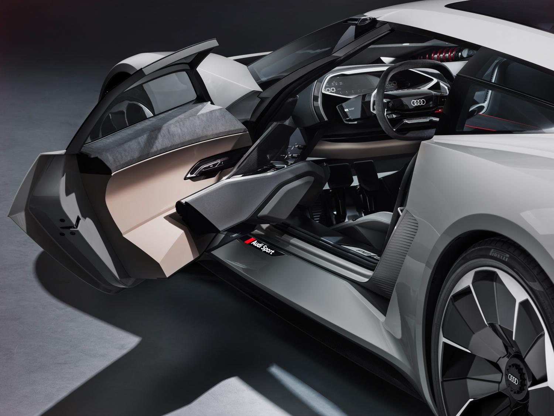 Audi PB 18 e-tron concept car cockpit