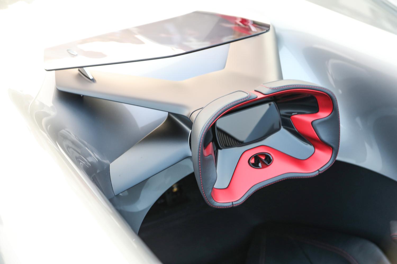Infinity prototype 10 steering wheel