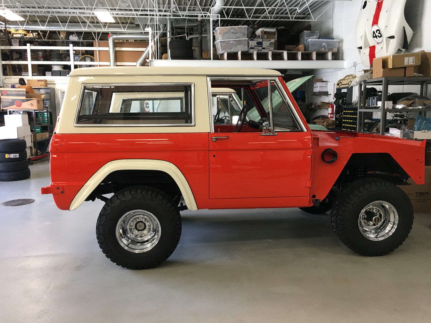 1969 Bronco Hunter Holman and Moody painted side profile
