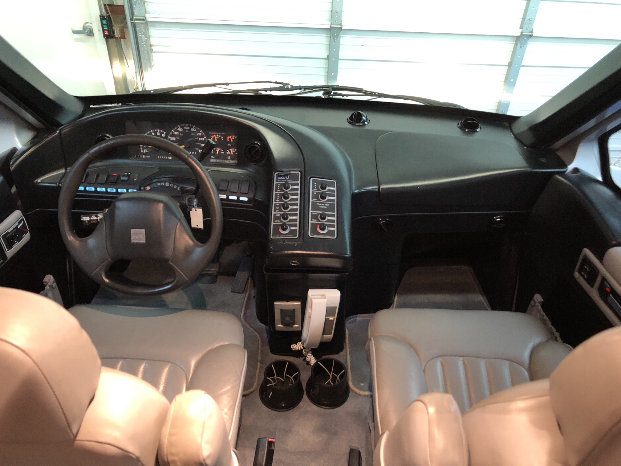 1998 Mauck MSV 1120s interior Front
