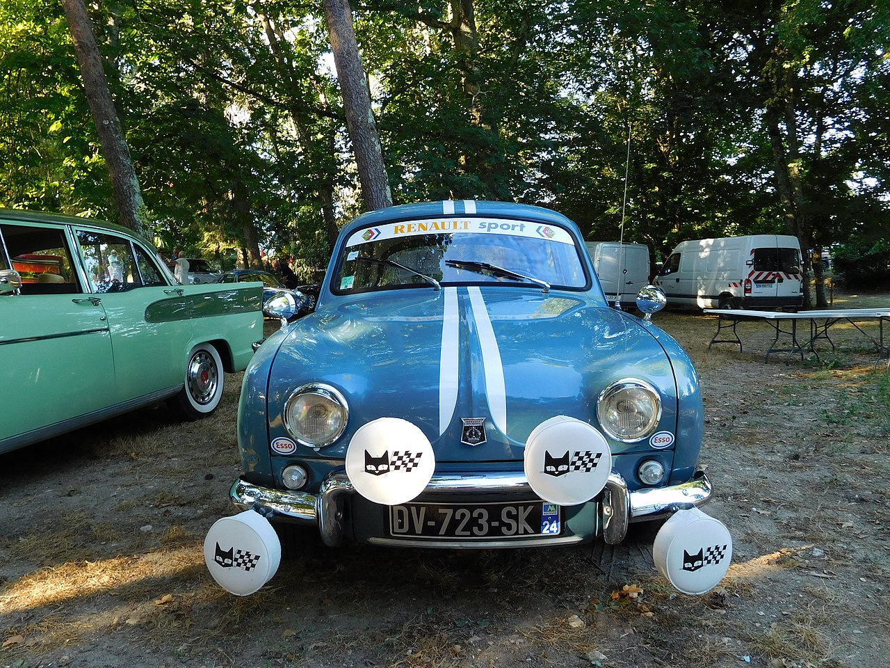 Renault Dauphine with Marchal lights