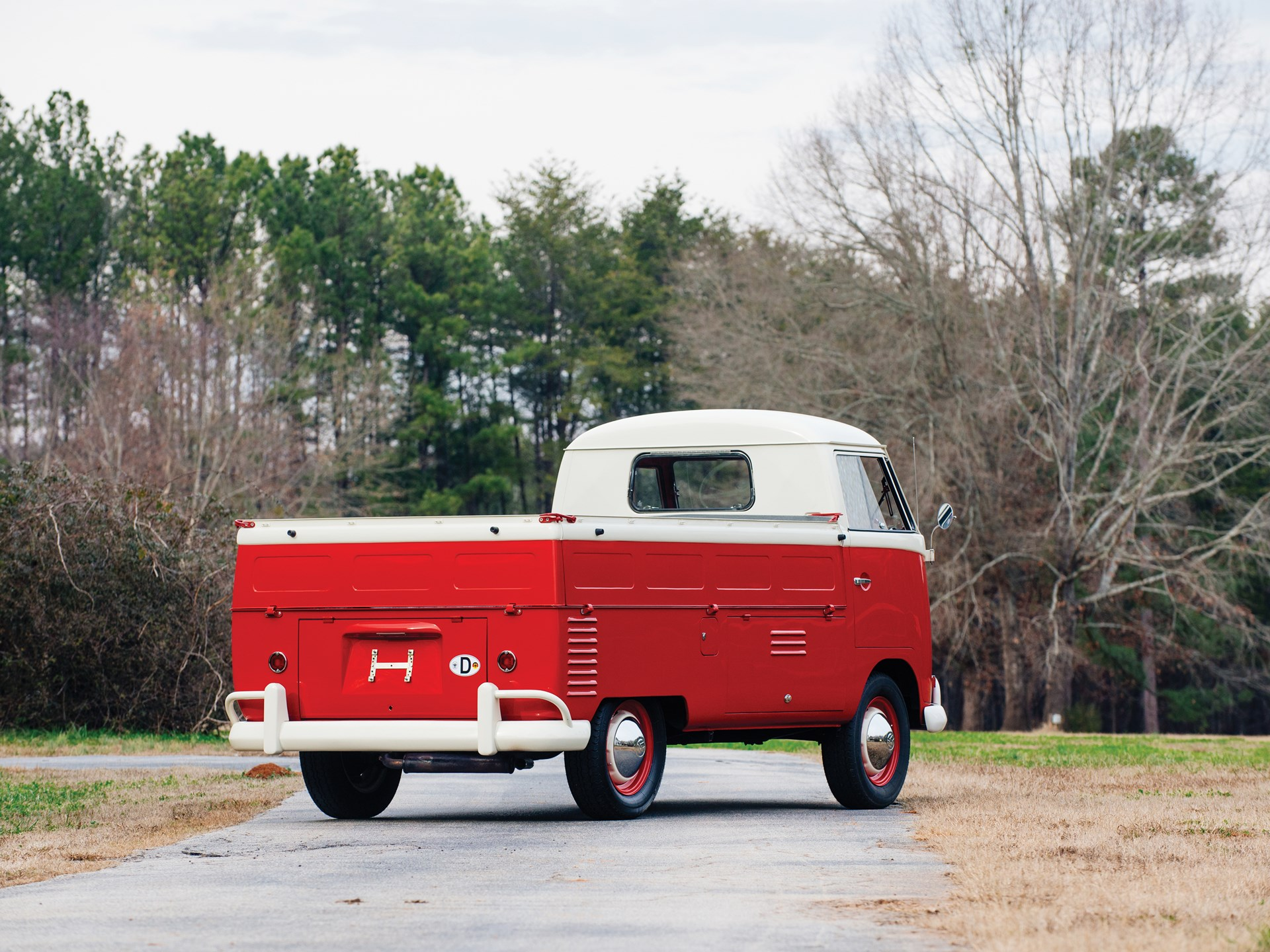 1961 Volkswagen Single-Cab Pickup rear 3/4